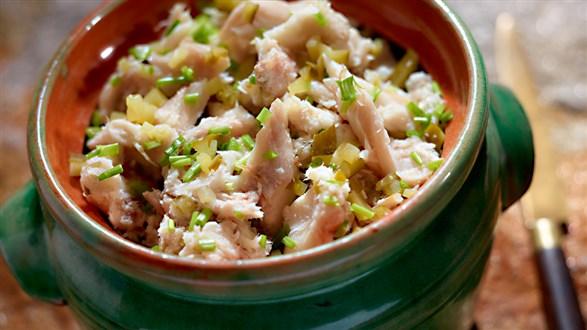 Pasta z makreli z chrzanem, ogórkiem i szczypiorkiem