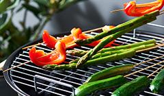 Układamy warzywa na grillu