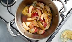 Konfitura z pieczonych jabłek z chrzanem - smażymy jabłka