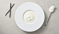 Włoski deser – panna cotta - Masę przelewamy do pucharków