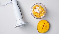 Kokosowe gofry z sosem mango - Miksujemy mango