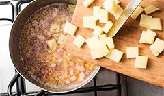 Grochówka wojskowa - zupę gotujemy na wolnym ogniu