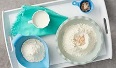 Hiszpańskie ciasto drożdżowe - Wyrabiamy ciasto drożdżowe