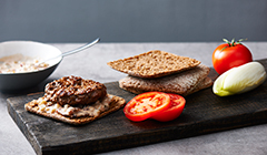Burgery wołowe - Składamy burgera