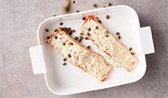 Łosoś z kaparami i sosem musztardowym - Pieczemy łososia
