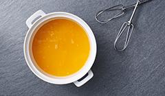 Lekka pianka pomarańczowa - miksujemy galaretkę pomarańczową