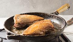 Piersi gęsi z grzybami - smażymy mięso