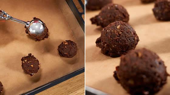 Ciastka czekoladowe - przygotowujemy blachę