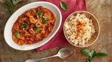 Wieprzowina sauté w sosie pomidorowym z chorizo i oliwkami