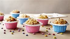 Muffinki z orzechami, jogurt naturalny, pomarańcza