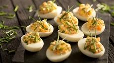 Jaja faszerowane łososiowo-chrzanowe