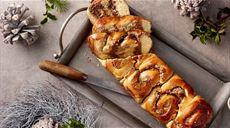 Saksońskie ciasto drożdżowe z marcepanem