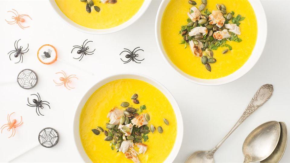 Zupa z dyni z makaronem z szynki