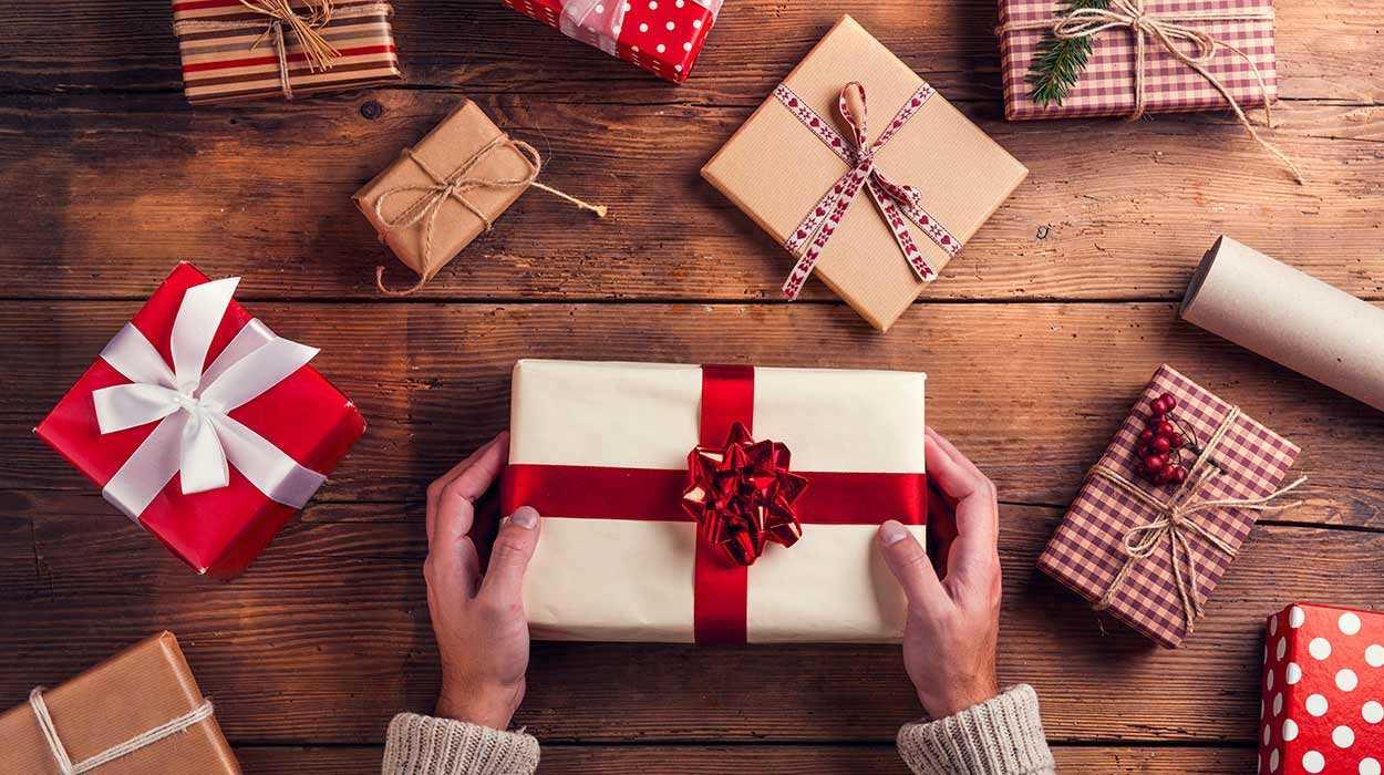 Zapakuj świąteczne prezenty z nami!