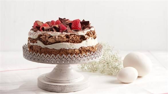 Tort czekoladowy z orzechami włoskimi