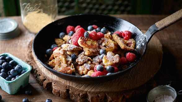 Omlet z amarantusem i owocami