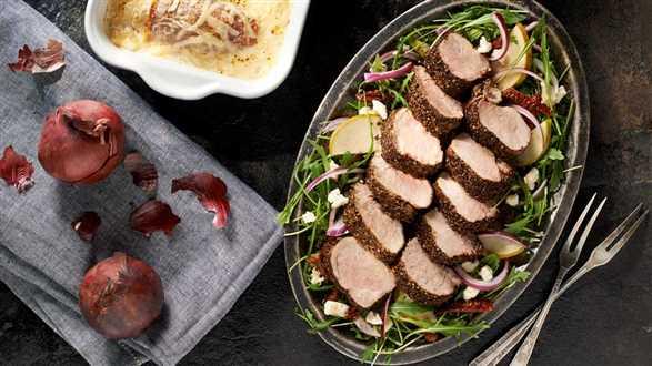 Pikantne polędwiczki z zapiekanką z cykorii z serem fontina i mozzarellą