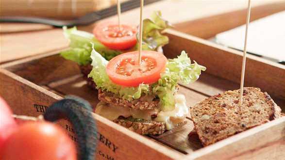 Zapiekana kanapka z boczkiem