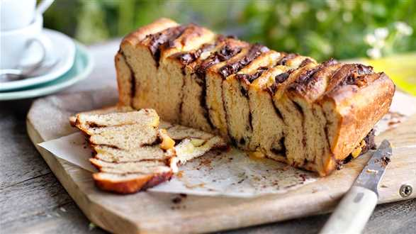Ciasto drożdżowe z nadzieniem marcepanowo-czekoladowym
