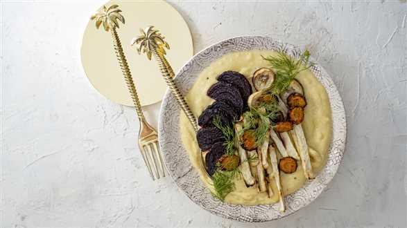 Polenta z kozim serem i pieczonymi warzywami