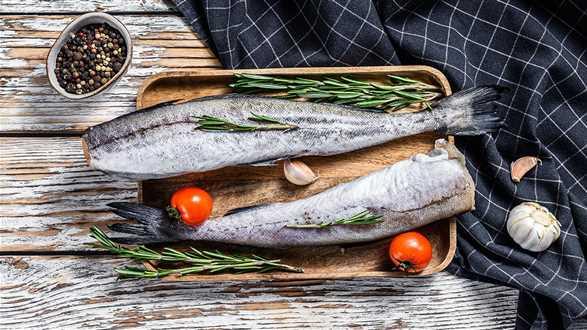 Jak rozpoznać dobrą rybę? Na co zwrócić uwagę, by wybrać najlepszą?