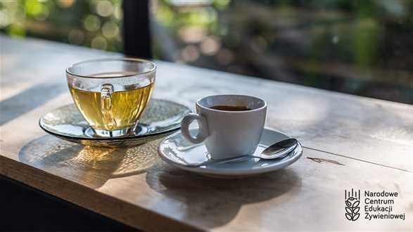 Kawa oraz zielona i czarna herbata: zalety i wady