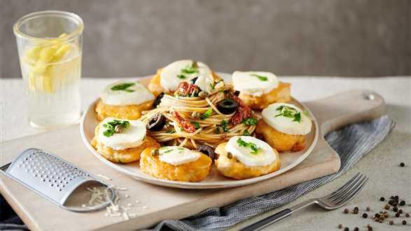 Kurczak z serem Grana Padano i spaghetti
