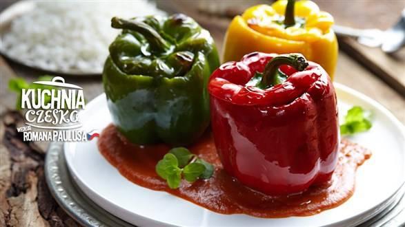 Nadziewana papryka w sosie pomidorowym