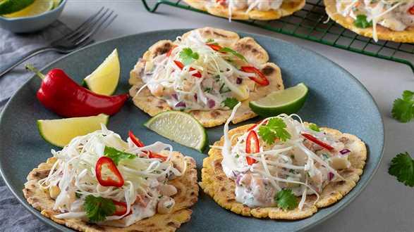 Domowe tacos z krewetkami, mango i chili