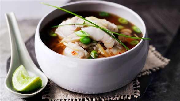 Ostra zupa rybna z ryżem