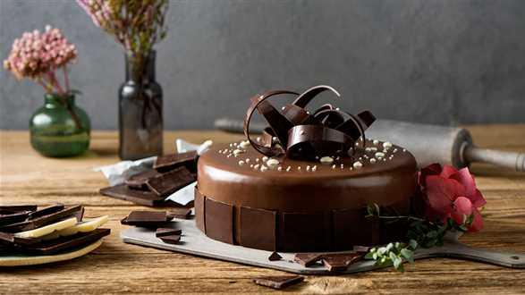 Jak dekorować torty czekoladą?