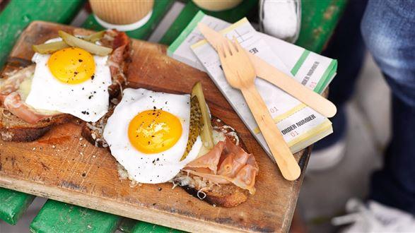 Zapiekana kanapka z jajkiem i serem