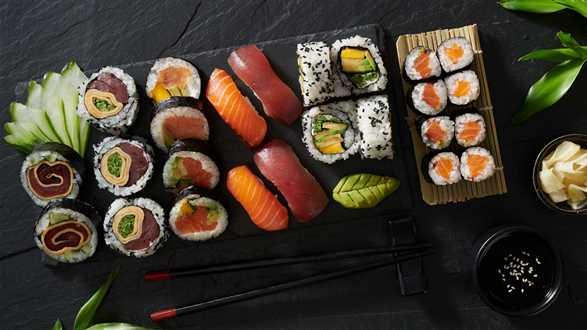 Sushi: hosomaki, futomaki, uramaki, nigiri