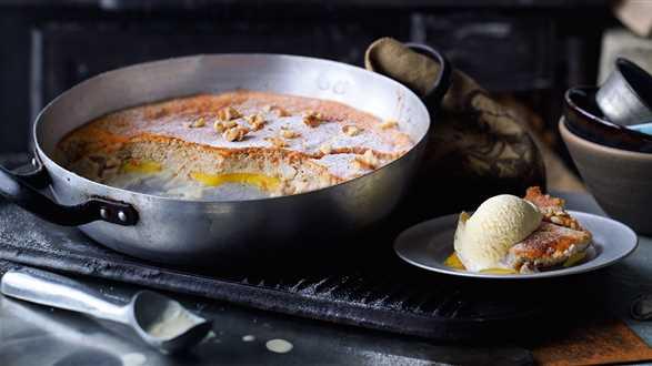Zapiekanka gruszkowa z mango i orzechami włoskimi