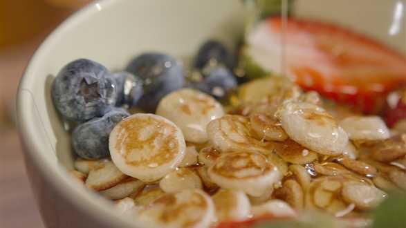 Płatki śniadaniowe z minipankejków (pancakes cereal)