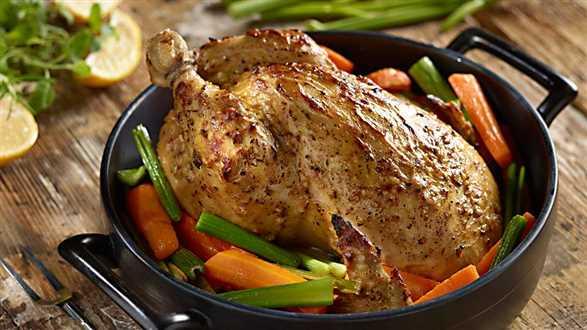 Kurczak w musztardzie na pieczonych warzywach