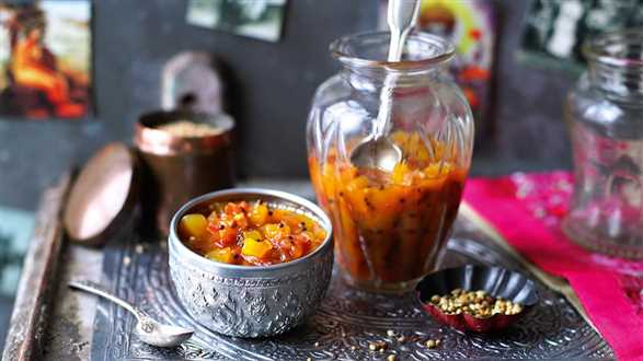 Chutney z pomidorów i mango