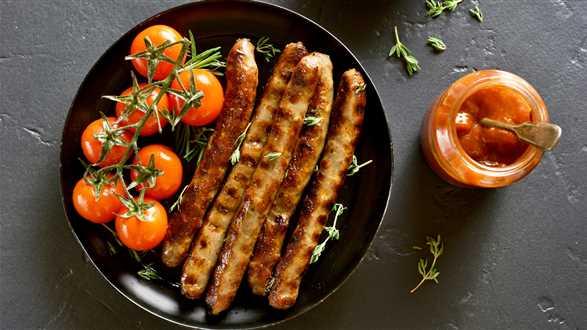 Grillowane wegekiełbaski z sosem miodowo-pomidorowym
