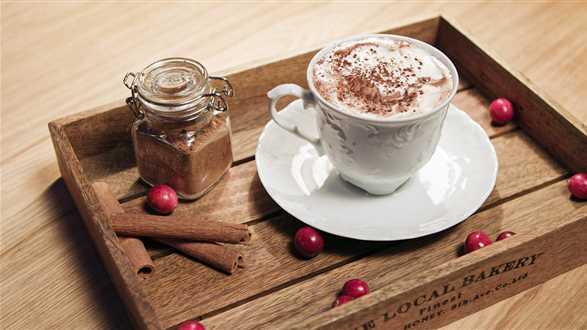 Gorąca czekolada i domowa przyprawa piernikowa