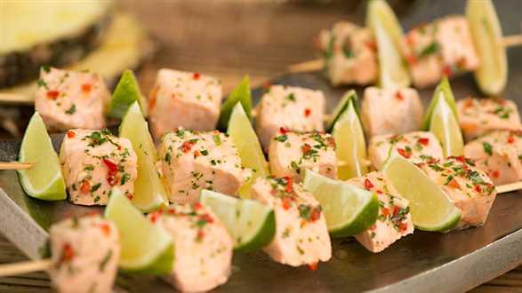 Grillowane meksykańskie szaszłyki z łososia