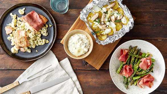 3 dania grillowane w folii: łosoś, szparagi i młode ziemniaki