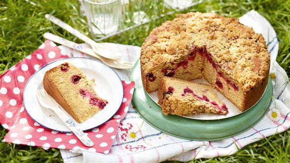Ciasto z wiśniami i kruszonką migdałową