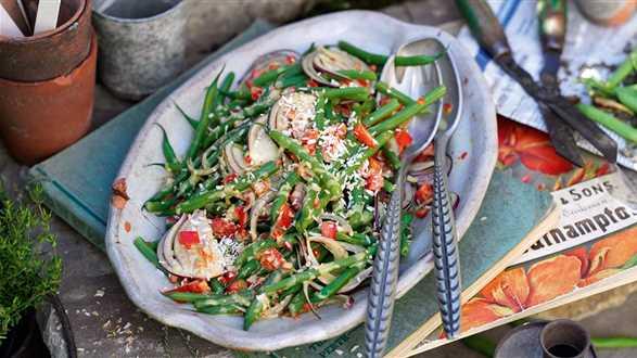 Kokosowa sałatka z fasolką szparagową