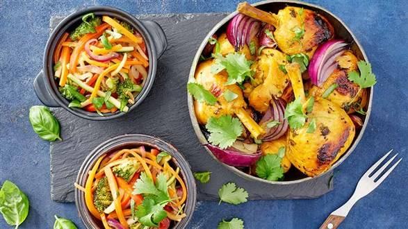 Podudzia kurczaka w przyprawach z warzywami sauté