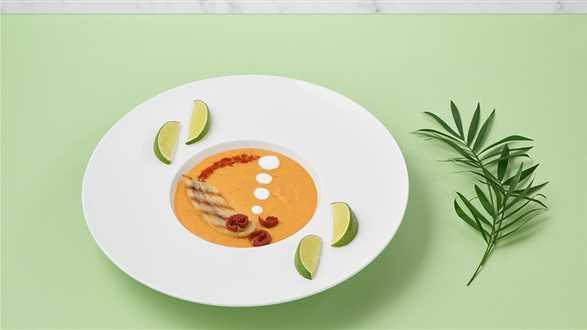 Zupa pomidorowa z bananami
