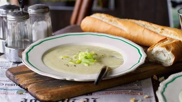 Vichyssoise (zimna zupa z ziemniaków i pora)