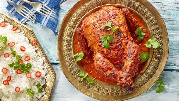 Pikantny kurczak z przyprawami i ryżem basmati