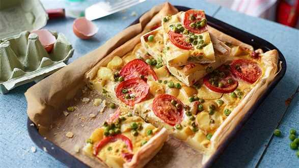Quiche z curry, ziemniakami i pomidorami