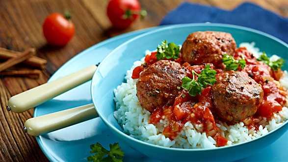 Pulpety z sosem cynamonowo-pomidorowym