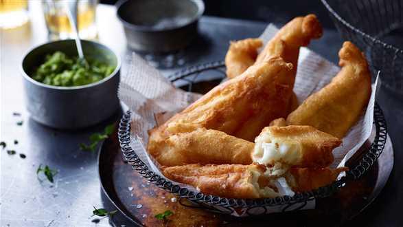 Smażona ryba na purée z groszku